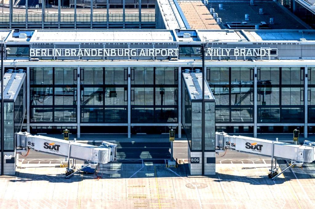 https://aviotravel.eu/images/stories/countries/europa/berlin-brandenburg-flughafen.jpeg
